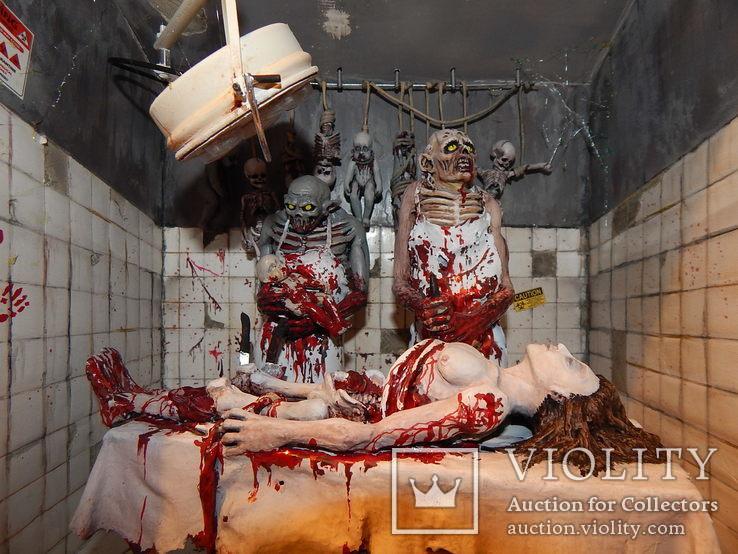 Диорама  запрещенной обложки  альбома Cannibal Corpse