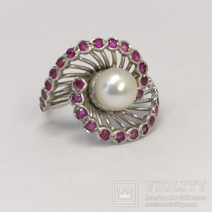 Винтажное золотое кольцо с жемчугом и рубинами