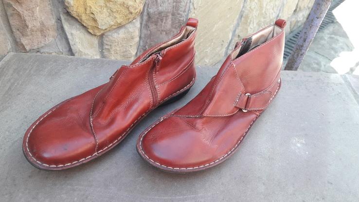 Жіночі черевики 2.