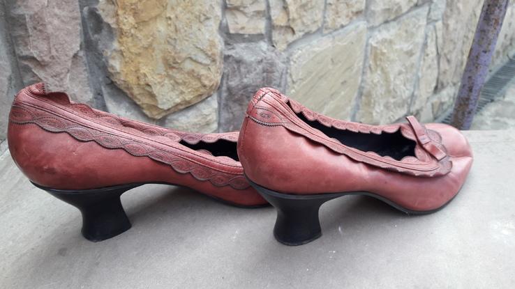 Жіночі туфлі 19.