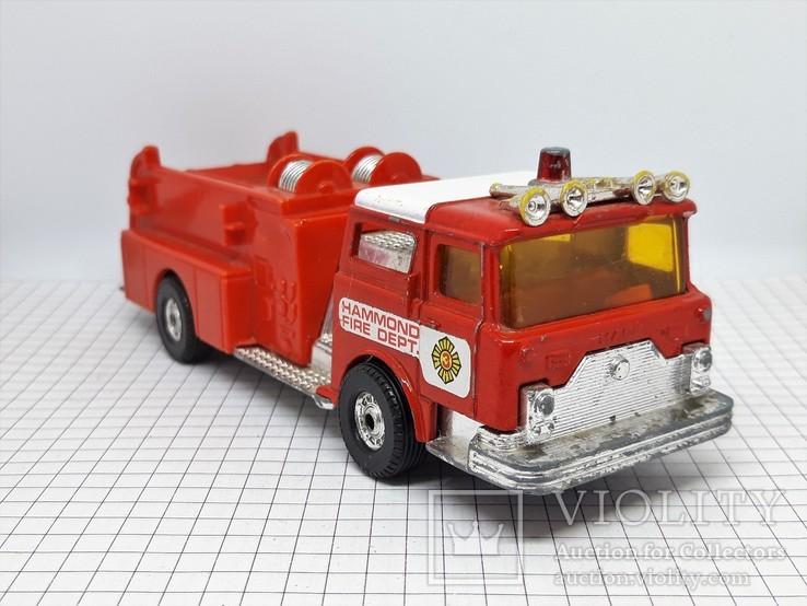 Corgi Made in Gt Britain. Mack Cf Fire Pumper Firefighters (cc), фото №2