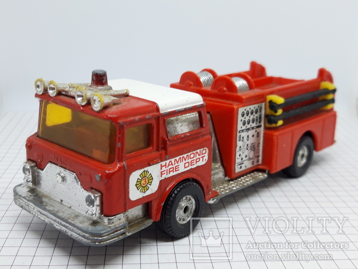 Corgi Made in Gt Britain. Mack Cf Fire Pumper Firefighters (cc), фото №4