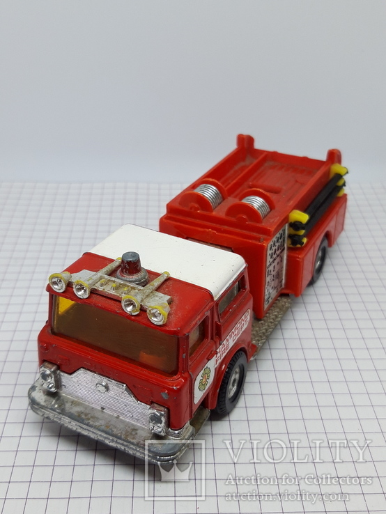 Corgi Made in Gt Britain. Mack Cf Fire Pumper Firefighters (cc), фото №8