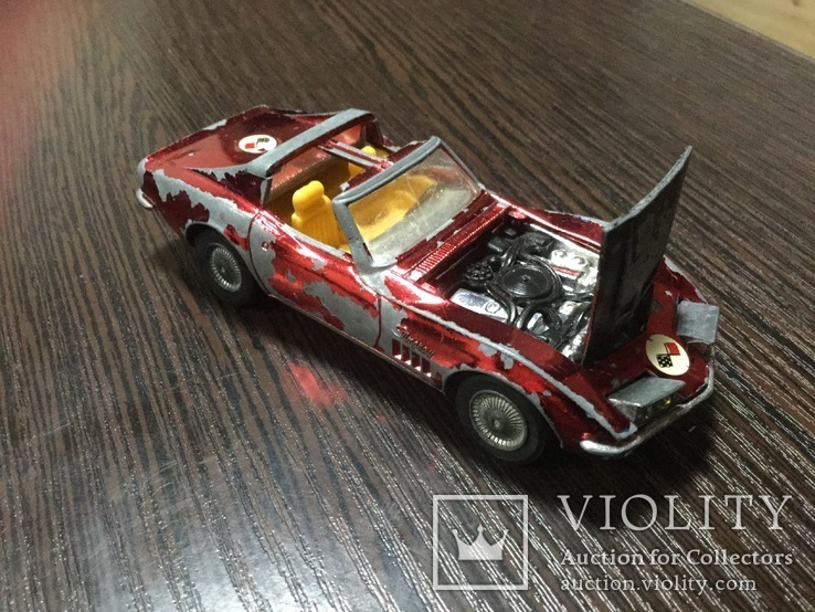 Corgi Toys Chevrolet Corvette Sting Ray Coupe, фото №2