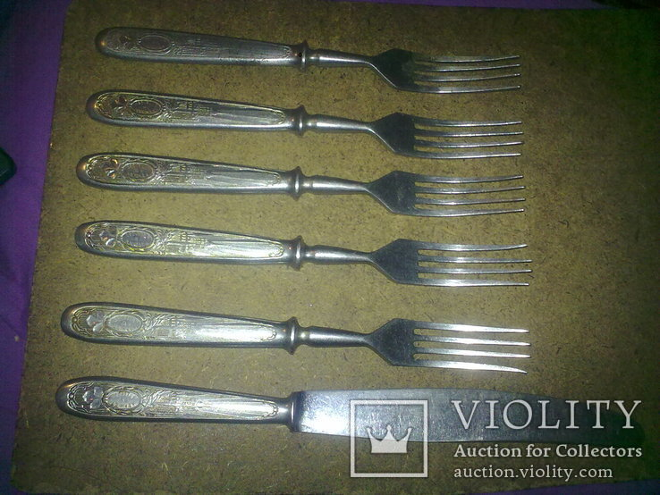 Вилки 5 шт и 1 нож старые, фото №2