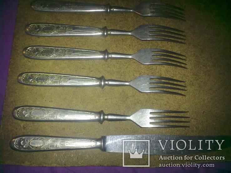 Вилки 5 шт и 1 нож старые, фото №4