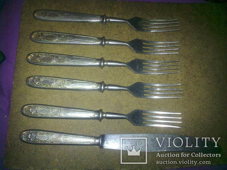 Вилки 5 шт и 1 нож старые, фото №6