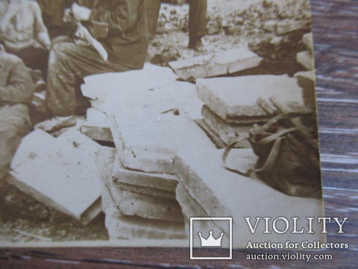 Группа рабочих на стройке, фото №5