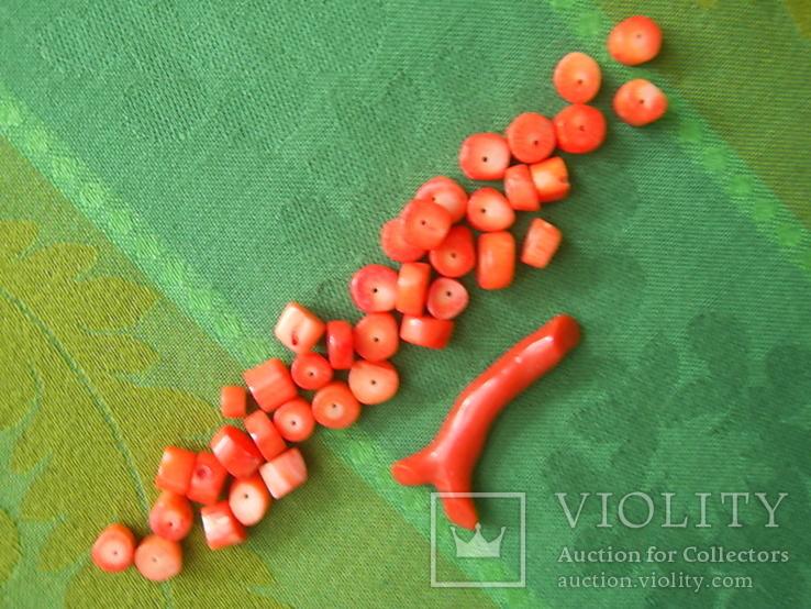 Коралловые бусины вес 22.4 гр и веточка 3.7 гр., фото №3