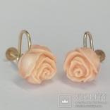 Винтажные золотые серьги розочки из натурального коралла, фото №3
