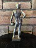 Скульптура авторськая, Девушка с мячом, фото №6