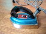 Малогабаритный электрический утюг СССР в коробке, фото №2