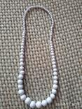 Белые бусы пластиковые, фото №2