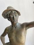 Скульптура Рыбак бронзовая старая Европа подписная, фото №3
