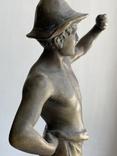 Скульптура Рыбак бронзовая старая Европа подписная, фото №9