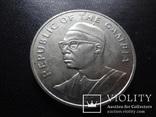 10 даласи 1975 Гамбия  серебро     (О.15.6)~, фото №3