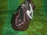 Сумочка кожаная украшенная иск. жемчугом, фото №5
