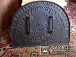 Старовинна 18-того століття чавунна пічна заслонка Демидівського металургійного заводу, фото №2