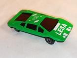 Модель, моделька зелёного гоночного автомобиля., фото №3