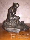 Девушка на камне, фото №4