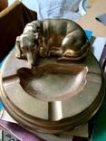 Пепельница металлическая с лежащей собакой. Сделано в СССР, фото №2
