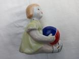 Фигурка девочка с мячом городница 1950 года, фото №2