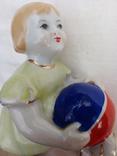 Фигурка девочка с мячом городница 1950 года, фото №5