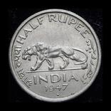 Британская Индия 1/2 рупии 1947 Unc, фото №2