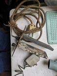 Уборка гаража разные предметы шнуры ключ плодообрыватель подкладка, фото №8