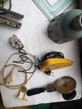 Уборка гаража разные предметы шнуры ключ плодообрыватель подкладка, фото №11