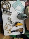 Уборка гаража разные предметы шнуры ключ плодообрыватель подкладка, фото №12