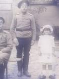 Офицер и солдат Первой Мировой с семьей старое фото, фото №8