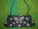 Сумочка атласная расшитая бисером и пайетками и вышивкой, фото №2