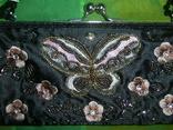 Сумочка атласная расшитая бисером и пайетками и вышивкой, фото №3
