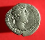 Денарий Commodus (RIC III 235), фото №2