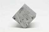 Куб із залізного метеорита Aletai, 60,6 грам, із сертифікатом автентичності, фото №11