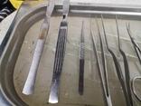 Медицинские инструменты лоток ножницы скальпель пинцет, фото №2