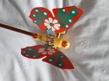 Старая игрушка Бабочка каталка, фото №2