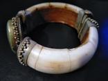 Браслет из бивня моржа, латунными креплениями и камнем, фото №3