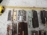 Петли завесы дверные металлические б/у много уборка гаража, фото №4