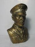 Бюст Адольф Гитлер, материал бронза и накладки Люгер Р-08.  копия, фото №2