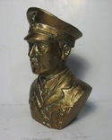 Бюст Адольф Гитлер, материал бронза и накладки Люгер Р-08.  копия, фото №4