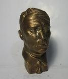 Бюст Адольф Гитлер вар.2, материал бронза и накладки Браунинг 1910. копии, фото №2