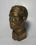 Бюст Адольф Гитлер вар.2, материал бронза и накладки Браунинг 1910. копии, фото №3