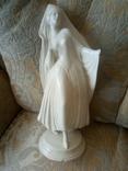 Статуэтка Монахиня клеймо SITZENDORF (ГЕРМАНИЯ) фарфор предположительно 18 века, фото №2