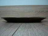 Резная настенная тарелка с латунными вставками, фото №10