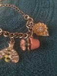 Accessorize браслет с подвесами. Маркированый., фото №4