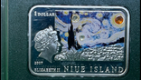 Ниуэ 1 доллар, 2007. Известные художники - Винсент Ван Гог /Подсолнухи, фото №2