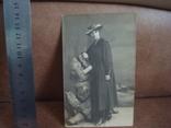 Фото CARTE POSTALE Дама в шляпе с сумочкой, фото №2