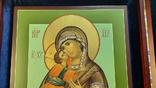 Икона Владимировская в подарочном футляре. Размер иконы 30 на 27 см, фото №3